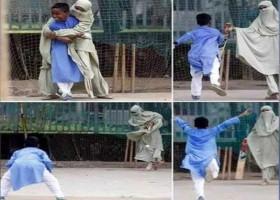 বোরকা পরে ছেলের সাথে ক্রিকেট খেলা : কী বলে ইসলাম